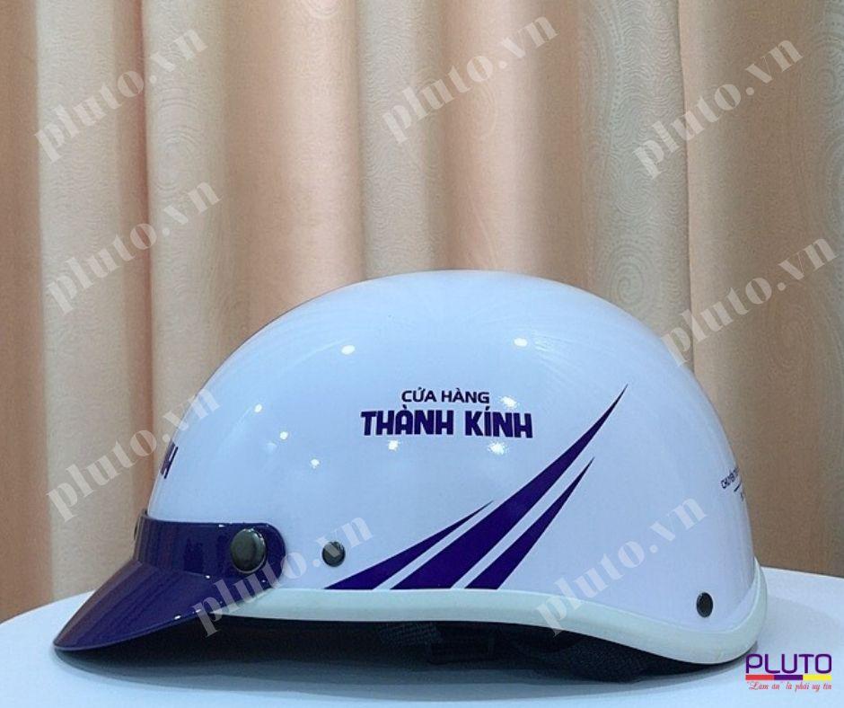 in logo mũ bảo hiểm quảng cáo