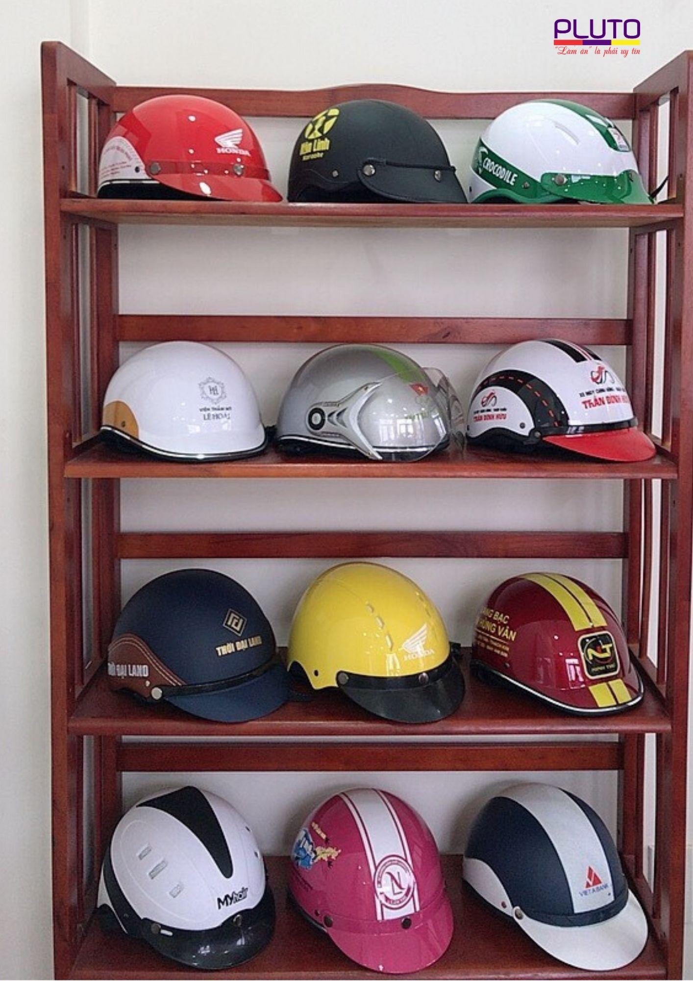 đặt mũ bảo hiểm quảng cáo in logo
